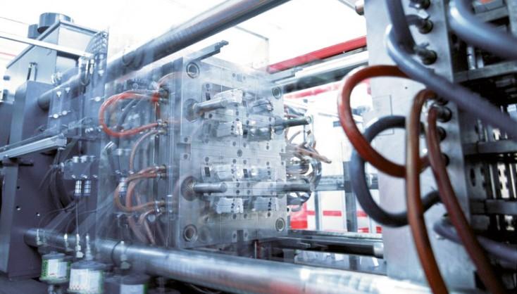 Plast- och tryckgjutningsmaskiner